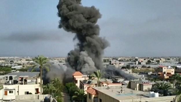 Implacables: palestinos e israelíes se atacan a bombazos