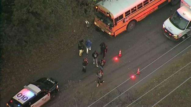 Choque de un bus escolar de Fort Worth deja un herido