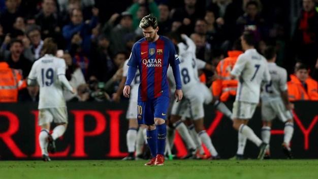 Real Madrid le roba empate al Barsa y sigue invicto