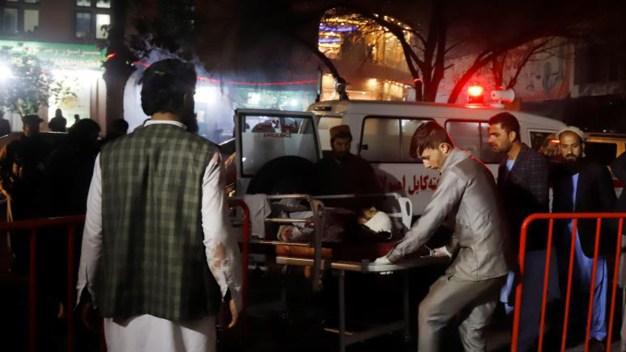 "Ataque suicida deja cadáveres ""por todas partes"""