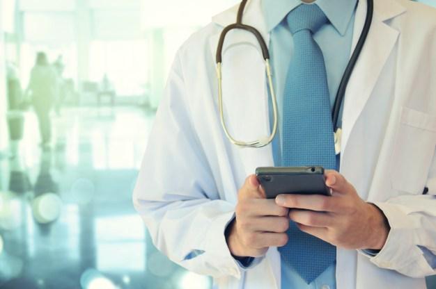 Mensaje de texto, la nueva tendencia de doctores para diagnósticos