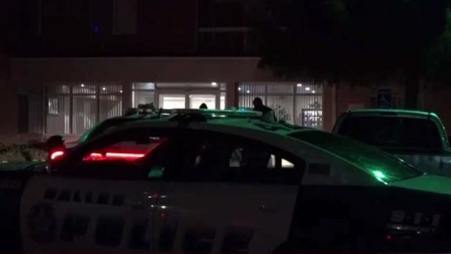 Tres apuñalados en un complejo de viviendas en Dallas