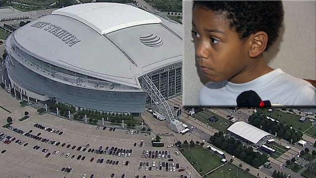Olvidan a pequeño en el estadio AT&T