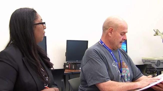 Ofrecen clases de inglés gratis en Dallas