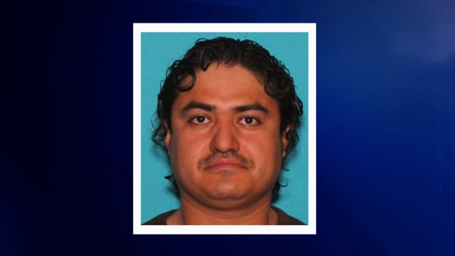 Agencias policiales buscan a sospechoso de balacera en Arlington