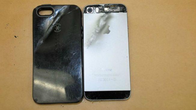 Insólito: su iPhone lo salva de un balazo