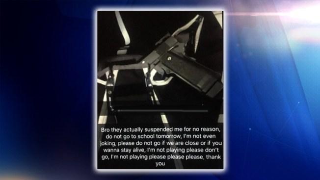 Arrestos tras amenazas a escuelas del norte de Texas
