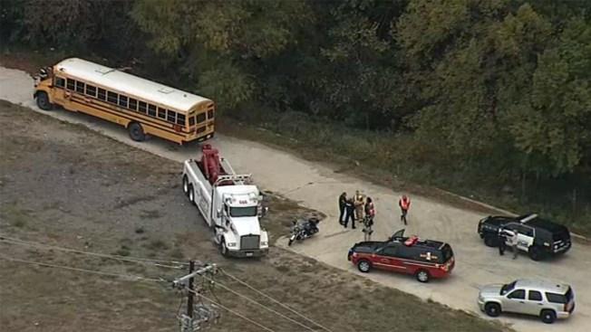 Choca autobús escolar en McKinney