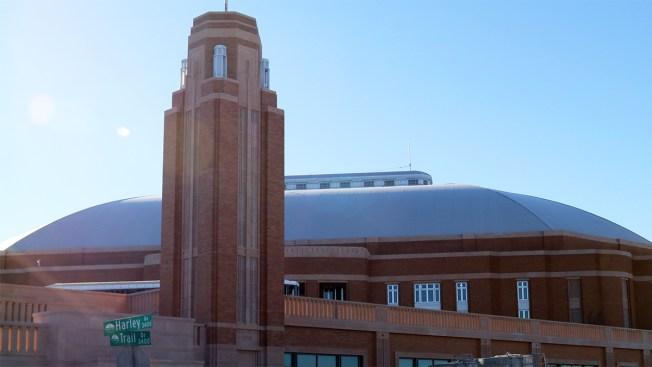 """Feria de trabajo para """"Dickies Arena"""" en Fort Worth"""
