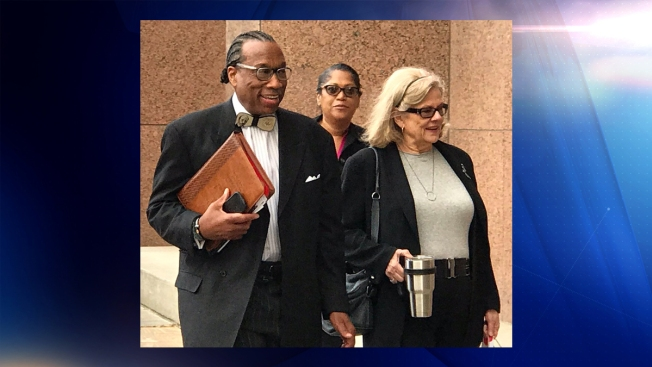 "John Wiley Price ""no culpable"" de varios cargos criminales"