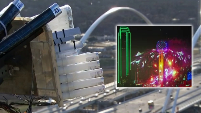"""15 mil libras de fuegos artificiales para la """"Reunion Tower"""""""