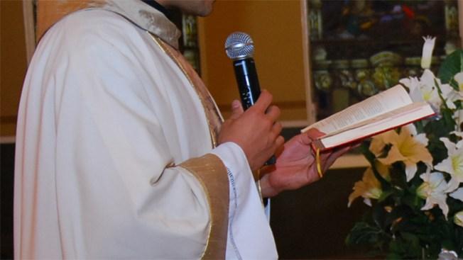 Otro sacerdote de Dallas ligado a presuntos abusos sexuales