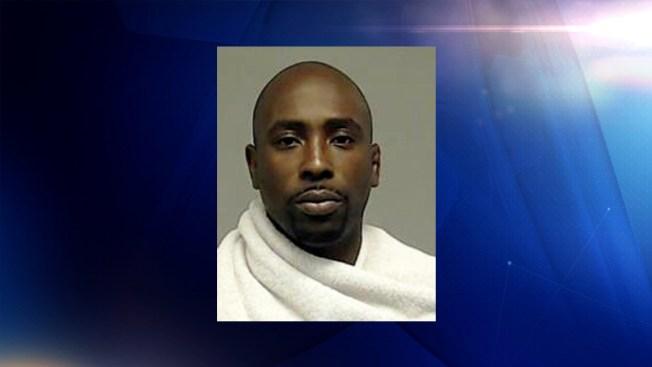 Arrestan a instructor de artes marciales en McKinney