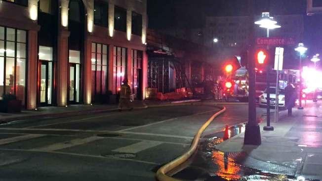 Incendio en el centro de Dallas