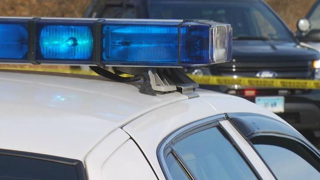 Encuentran cadáver de joven tirado en la carretera