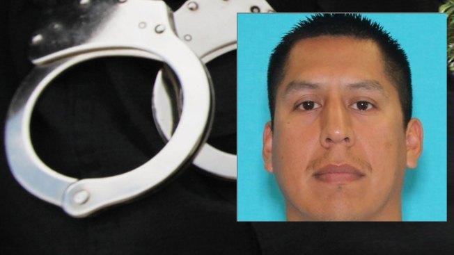 "Arrestan a bombero de Fort Worth por ""grabar"" a su exnovia"