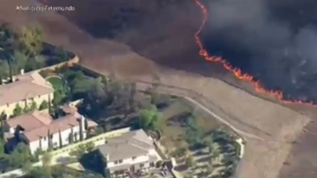 Ola de calor agrava incendios y sequía en CA