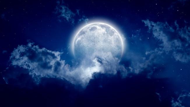 La luna se está encogiendo