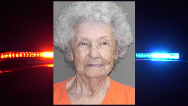 En Texas: anciana sospechosa de matar a su esposo en 1984