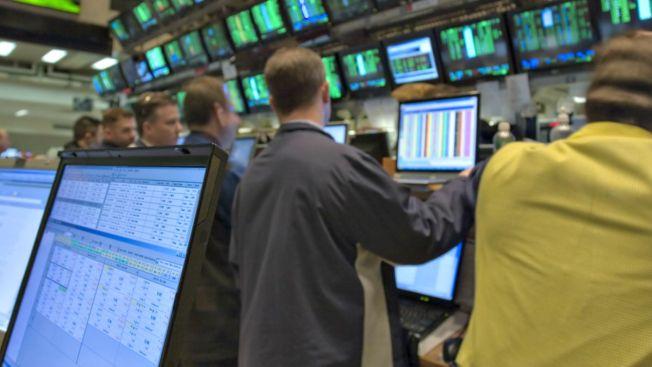 Otra caída histórica de acciones en Wall Street