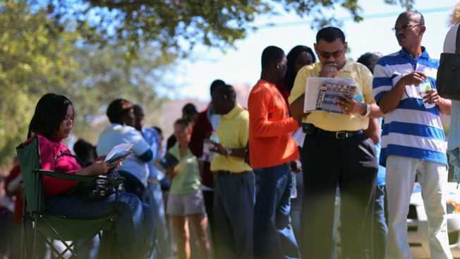 Prolongan votación en Florida