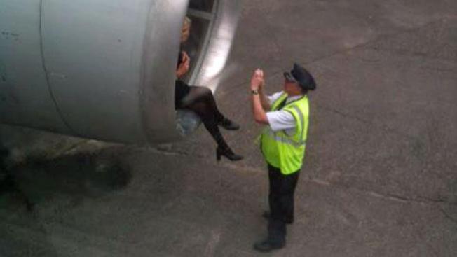 ¿Sesión fotográfica en pleno vuelo?