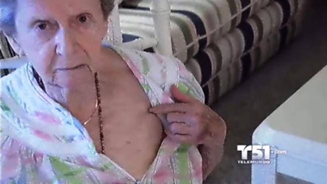 Anciana dice que fue humillada en aeropuerto de NY