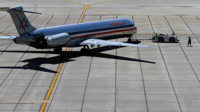 American Airlines busca asistentes de vuelo