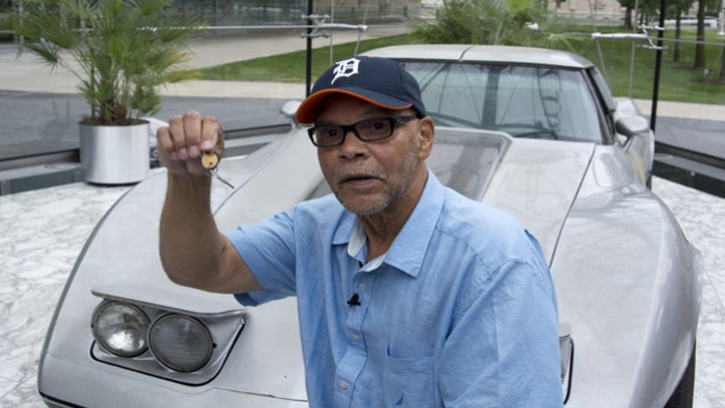 Recupera Corvette robado hace 33 años