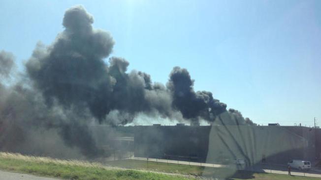Voraz incendio en planta de Dr Pepper
