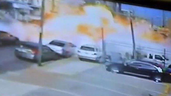 Explota camión cocina dejando heridos