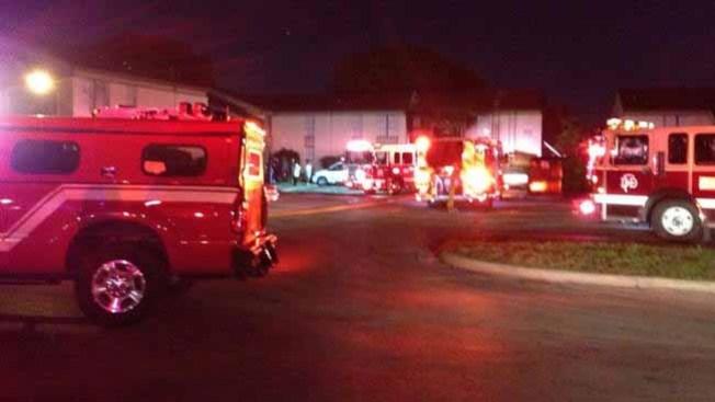 Residentes atrapados en voraz incendio
