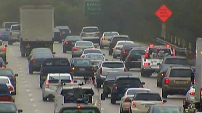 Caos vial tras accidente en I-35W