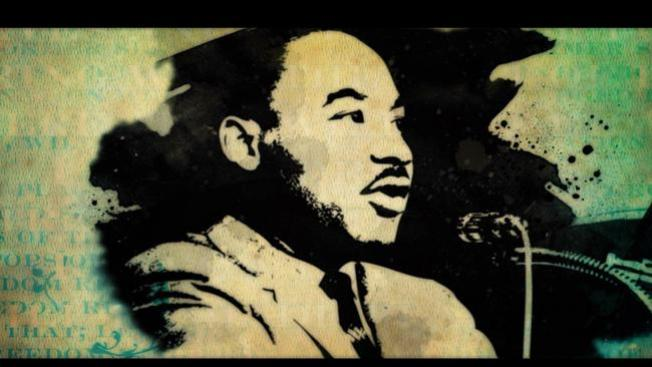Caballo enloquece en desfile de MLK
