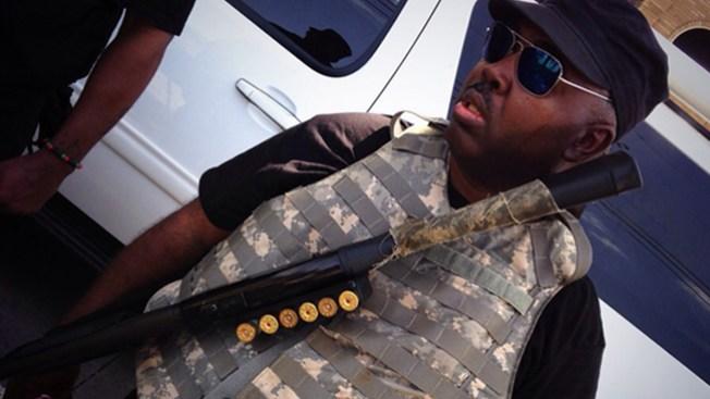 Panteras Negras protestan armados