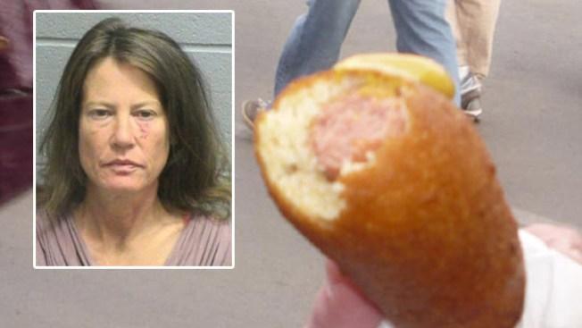 """Arrestada tras pelea por un """"corn dog"""""""