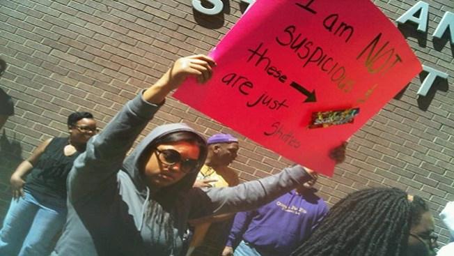 Protestan por muerte de joven desarmado