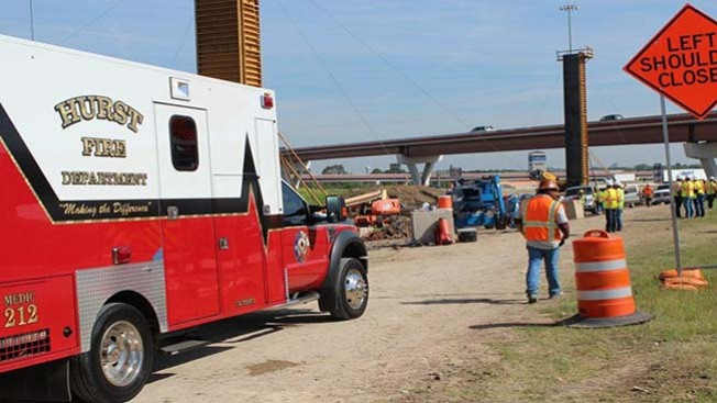 Rescatan obrero en Hurst