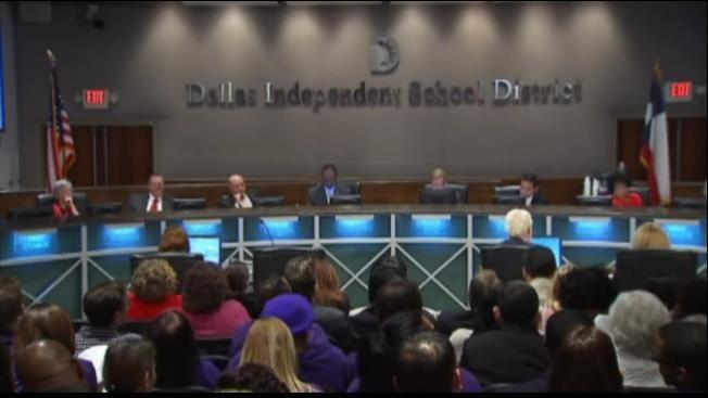 DISD aprueba cierre de once escuelas