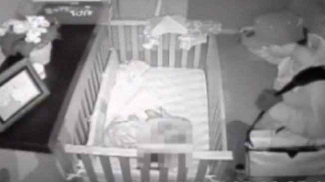 Estremecedor video de bebé en peligro