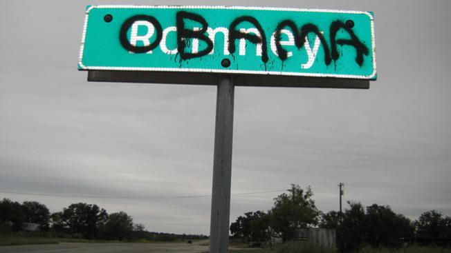 Vandalizan a Romney