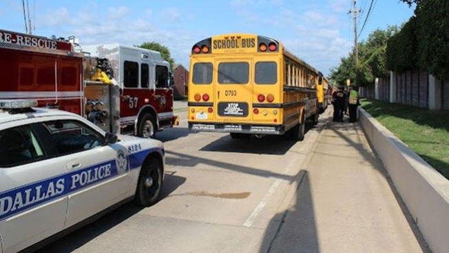 Choque de buses escolares