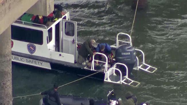Autoridades buscan evidencia en lago