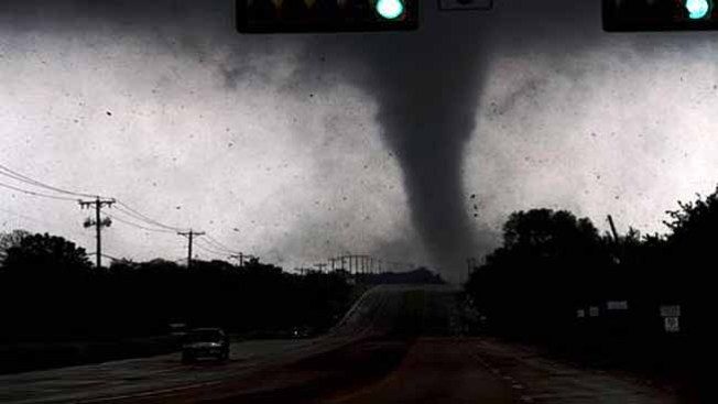 Sigue la cuenta de los tornados