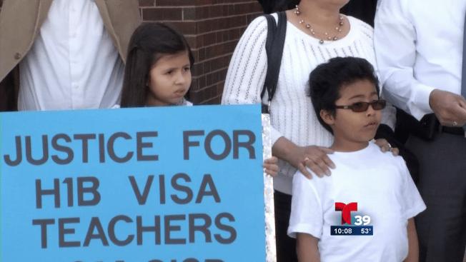 Maestros al borde de la deportación