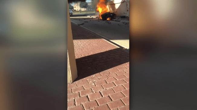 Conductor muere en auto en llamas