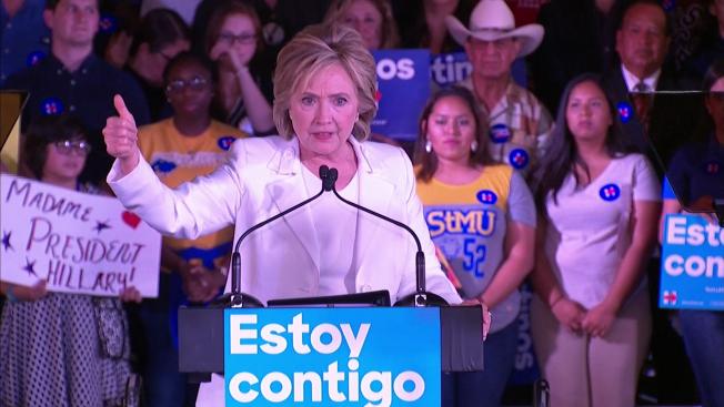 Clinton sacaría a indocumentados de las sombras