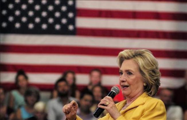 Hillary Clinton pide en Miami el fin del embargo