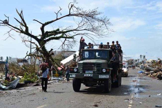 Dallas ayuda a las víctimas en Filipinas