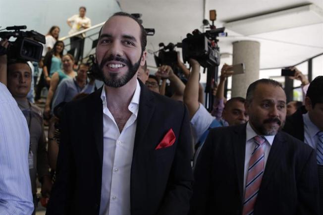 Exalcalde Bukele lidera su intención de voto para las presidenciales en El Salvador
